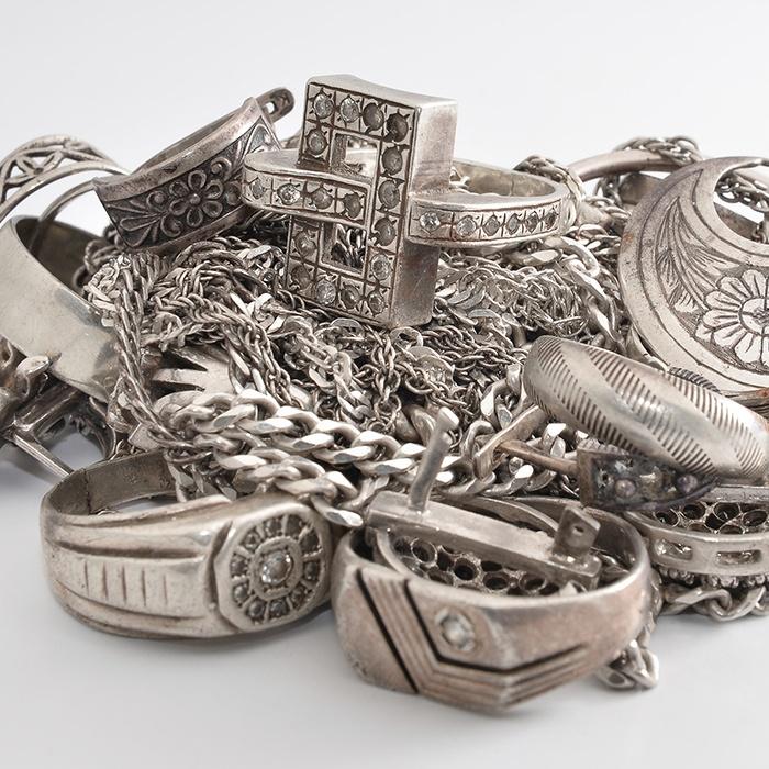 jewellery-pile-700